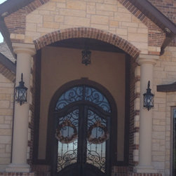 Susie's entry door - This is a project in Texas, US. Thanks for their sharing.