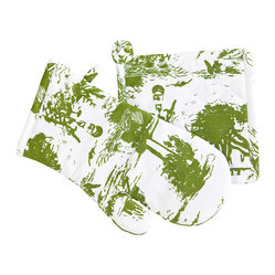 Savannah Toile Collection - Oven Mitt and Pot Holder - Gecko