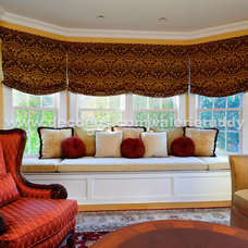 Traditional Family Room by Decorating Den Interiors Valerie Ruddy