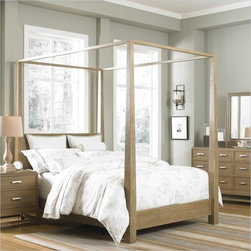 Broyhill Hampton Poster Bed in Light Mocha Stain - Finish: Light mocha