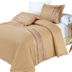 Bed Linens - Cecilia Egyptian cotton Embroidered Duvet Cover Set King-California King - You are invited to experience the comfort, luxury and softness of our luxurious Embroidered duvet covers. Silky Soft made from 100% Egyptian cotton with 300 Thread count woven with superior single ply yarn. Quality linens like this one are available only at selected Five Stars Hotels.