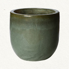 Traditional Outdoor Pots And Planters Glazed Egg Planter