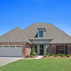 Traditional Exterior by Jenkins Homes Inc.