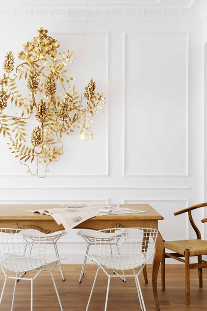 Midcentury Dining Room by Mikel Irastorza
