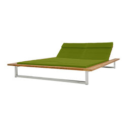 Mamagreen Oko Double Lounger Wood - Mamagreen's Oko Double Lounger wood is made from Stainless steel and recycled brushed teak frame with black or macaw sunbrella cushion.