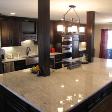 Contemporary Kitchen Cabinets by Randy Stein (Lowe's Home Improvement)