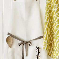 Kitchen Apron, Oyster - These chic aprons by Studiopatro are a fabulous gift for any hostess or cook. I love their simplicity, and the convenient pockets, too.