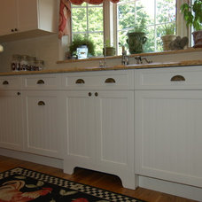 Farmhouse Kitchen Cabinetry by Carefree Kitchens Inc.
