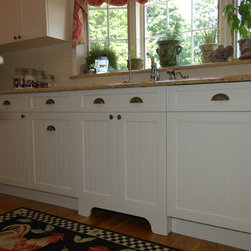 Farmhouse Kitchen Cabinetry: Find Kitchen Cabinets Online