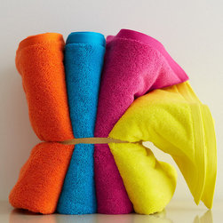 Kids' Crayon Towels - Juicy colors make these solid towels stand out from the pack. I'd love one in yellow and one in hot pink.