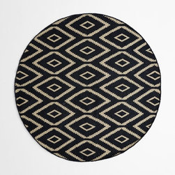 Kite Wool Kilim Rug, Round - You know, I never really considered a round rug until I saw this one. Swoon city!
