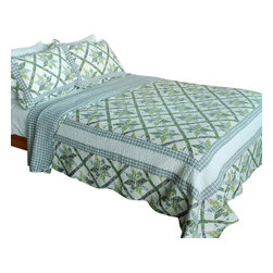 Blancho Bedding - [Cozy Air] 100% Cotton 3PC Vermicelli-Quilted Patchwork Quilt Set (Full/Queen) - The [Cozy Air] Quilt Set (Full/Queen Size) includes a quilt and two quilted shams. Shell and fill are 100% cotton. For convenience, all bedding components are machine washable on cold in the gentle cycle and can be dried on low heat and will last you years. Intricate vermicelli quilting provides a rich surface texture. This vermicelli-quilted quilt set will refresh your bedroom decor instantly, create a cozy and inviting atmosphere and is sure to transform the look of your bedroom or guest room. Dimensions: Full/Queen quilt: 90 inches x 98 inches; Standard sham: 20 inches x 26 inches.