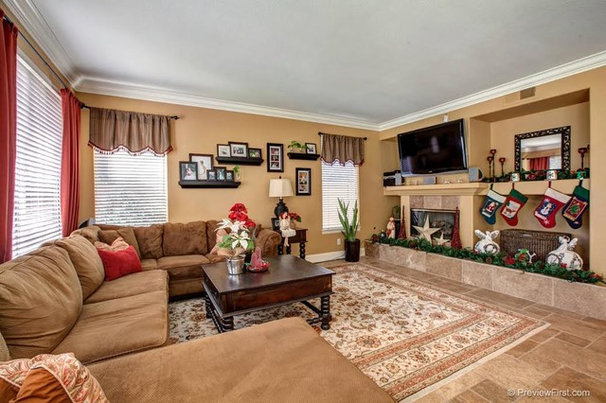 Contemporary Family Room by HomeScapes San Diego