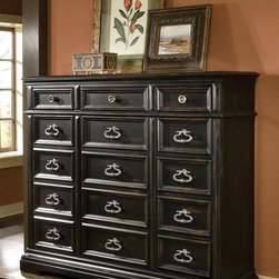Pulaski - Brookfield Gentlemans Chest - Fifteen drawers