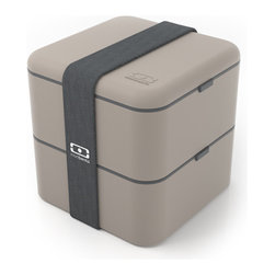 Monbento - MB Square Bento Box, Grey - With a capacity twice that of its cousin the MB Original, the MB Square is equipped to satisfy the heartiest eaters' hunger. Higher, each compartment can take prepared salads and lavish sandwiches. An ideal way to transport the family picnic! Practical: It includes an inner food container to separate parts of your meal. It also contains 1 large and 1 small elastic band to use a two-level or a one-level bento box as you like.