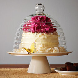 Beehive Cake Stand - I adore this beehive lid. It looks like something straight out of Winnie the Pooh.