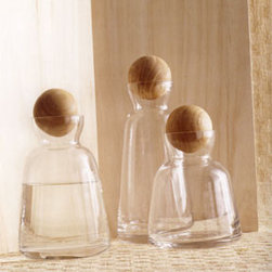 Copenhagen Carafes - These glass decanters are so pretty and would make a great place to display a flower collection or hold other small-space details, like twine, glass rocks and more.