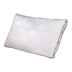 Comfort Revolution - Stearns & Foster Memory Core Bed Pillow - The Stearns and Foster Memory Core Pillow is constructed with two down filled chambers and a center memory foam core in the middle. This unique construction of down and a molded memory foam provides exceptional comfort and support and is perfect for all sleep positions.