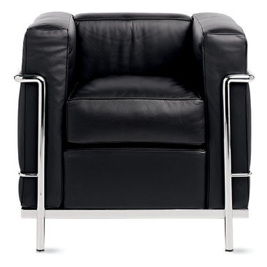 LC2 Petit Modele Armchair, Chrome Frame, Black Leather - The classic LC2 Petit Modele armchair by Le Corbusier offers comfortable seating and ageless elegance.