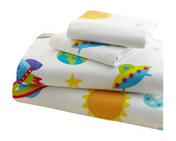 Wildkin - Olive Kids Out of this World Full Sheet Set - Blast off with these fun sheets! Our Out of this World sheets are a universe full of stars, planets, moons, rocket ships and ufo's. Printed on super soft 100% cotton percale, 210 thread count.