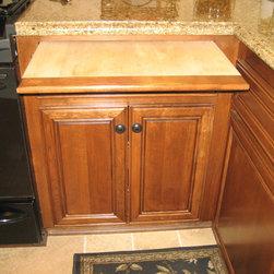Cabinet accessories - breadboard -