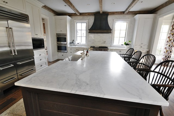 Traditional Kitchen Countertops by Levantina USA