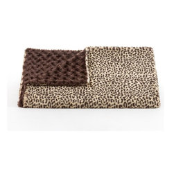 Belle & June - Lux Cheetah/ Brown Rosebud Throw - Equal parts fashion and function, this two-sided throw is a must-have for your chic room. Depending on your mood, you can choose to display the wild or more muted side of this extra cozy blanket.