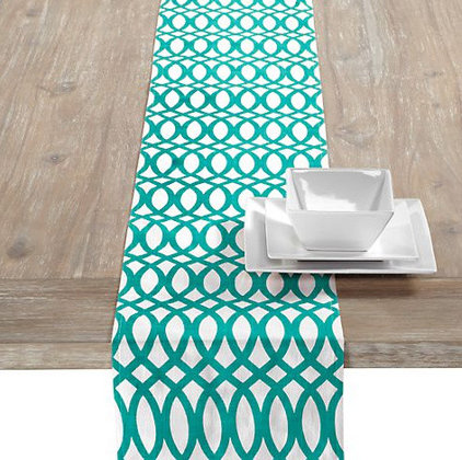 contemporary table linens by Z Gallerie