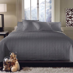 Clarke Cloudburst 3-piece Quilt Set