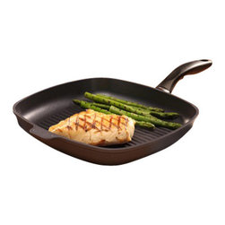 """Swiss Diamond - Induction Nonstick Square Grill Pan - 11 x 11"""" - Grilled foods just taste better. Swiss Diamond can help you realize your dream of grilling every meal with the help of our 11 x 11 inch Swiss Diamond Non Stick Square Grill Pan for induction cooktops. The ribbed bottom of the grill pan cooks Steaks, Vegetables, Pork Chops, and Chicken with nicely seared grill marks of caramelized goodness. Clean-up is just one of the many advantages of our state-of-the-art nonstick coating made with real diamonds; just use hot water and soap to clean easily. Our induction grill pans are made to work with all induction stove tops, and are designed never to buzz."""