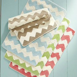 Zigzag Reversible Bath Rug - Step out of the shower and onto this zigzag reversible bath rug for guaranteed underfoot cushiness.
