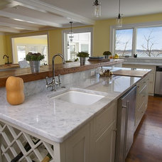Traditional Kitchen Countertops by Colonial Granite Works