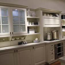 modern kitchen cabinets by ITB Kitchen & Wardrobe Manufacturer