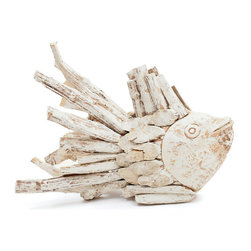 Driftwood Fish - Spread an antique charm in your interiors with the Driftwood Fish designed with sturdy and durable wooden log. This elegant furnishing piece can add more character to your home with its detailed design and whitewash finish especially if you want to give a hip vintage touch to your interiors.