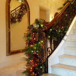 Holiday Decor: Stair banister garland
