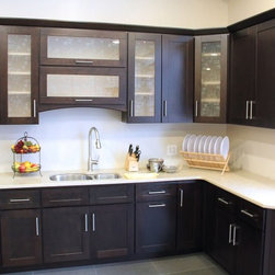 Coline Cabinetry - This Kitchen was beautiful renovated with the Shaker Coco Cabinets.