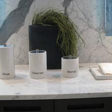 Modern Bathroom by Flüff Designs & Decor