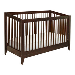 Da Vinci - DaVinci Highland 4-in-1 Convertible Crib with Toddler Rail in Espresso - Da Vinci - Cribs - M3601Q - With strong lines and gently-tapered spindles the Highland 4-in-1 Crib commemorates classic American design. Crafted under DaVinci Babys quality and safety commitments Highland gives mid-century influences a front-row place in the present.