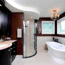 Traditional Bathroom by Luxurious Living Studio Inc.