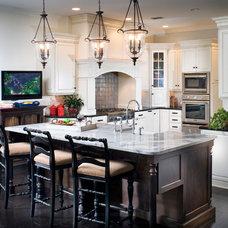 Traditional Kitchen by Andrea Lauren Elegant Interiors