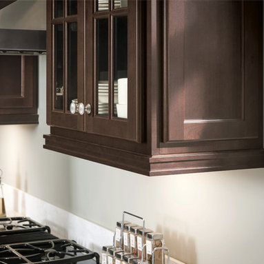 - Light rail moulding not only accents the bottom of wall cabinets ...