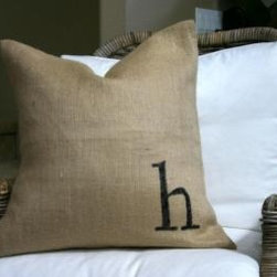 Square Initial pillow   My Sparrow - Made of natural linen, this pillow can be personalized with the letter of your choice.