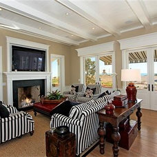 Traditional Living Room by LUXE INTERIORS