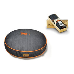 P.L.A.Y. - P.L.A.Y. Urban Denim Round Bed Cover Medieval Blue/Mandarin Small - Denims are always wonderful. This Denim P.L.A.Y. bed is stylish and extremely comfortable. On this bed, your pet will feel like it is resting on your lap. The black color makes the bed look extremely sophisticated, and it helps give a completely new touch to the place it is kept at. This denim bed is surely going to become your dog's favorite bed, and your dog will never want to get off it.  Stylish and timeless denim material with the frolicking P.L.A.Y. mascot. Looks great in living room, family room or SUV. 100% natural cotton covering is soft, breathable and allergy-free. Furniture-grade craftsmanship and even-basting stitching ensures dog-years of use. Custom-made P.L.A.Y. zipper makes it easy to slip cover off for washing or replacement for a new style. Made in a facility that meets the strict quality standards for infant and children products. Momo-approved and tested by her four-legged friends.