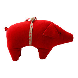 Maileg - Red Pig Cuddle - Your child will love snuggling up to their new porcine friend, when you place this red stuffed pig in their crib. Adding brightness and joy everywhere he goes, this sweet pig is made of 100 percent cotton, and comes with a charming bow.