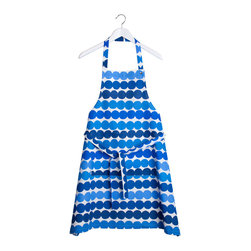 Räsymatto Apron, Blue - Keep your clothes free of flour with this bright Räsymatto apron from Marimekko. It'll add a great splash of pattern hanging up in the kitchen too.