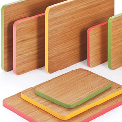 Cutting Edge Series Cutting and Serving Boards - I love the colored edge on these bamboo cutting boards.