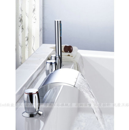 Modern Bathtubs by bathandbedgoods