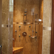 Modern Showerheads And Body Sprays by Thumbs Up Designs for Kitchens & Baths