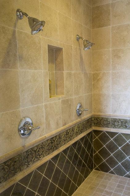 Modern Bathroom Accessories by Alpinebay